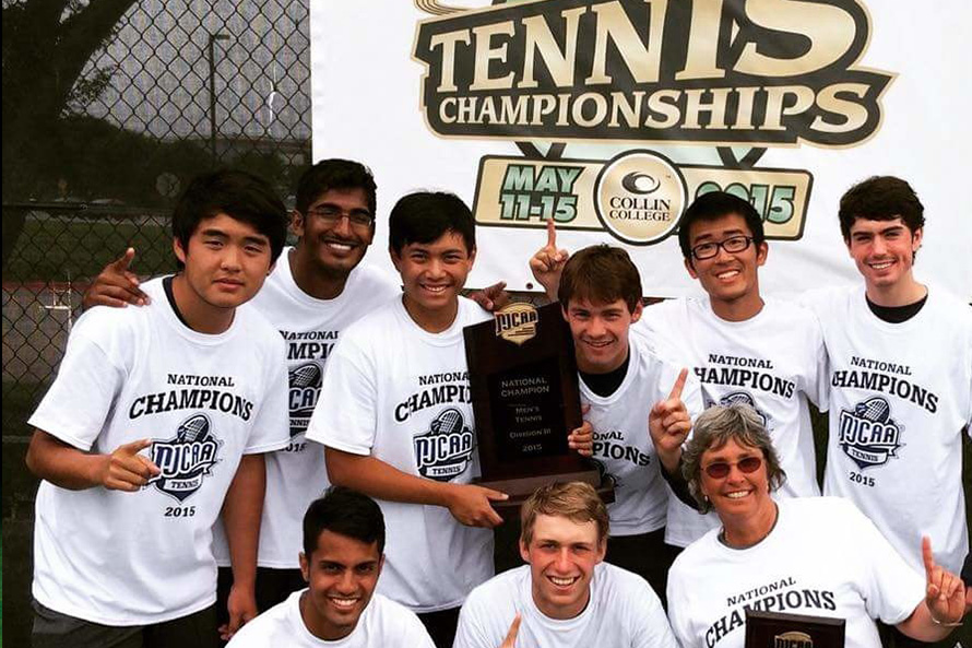 Oxford Men's Tennis team pose with their 2015 NJCAA Championship trophy