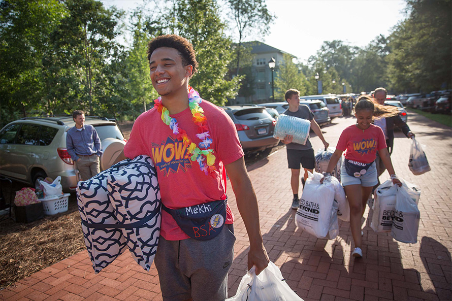 Oxford students at move-in day